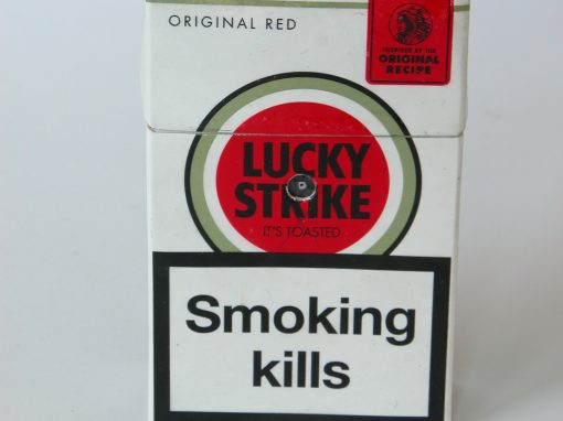 #996 Lucky Strike Smoking Kills (Original Red) / The Smoker