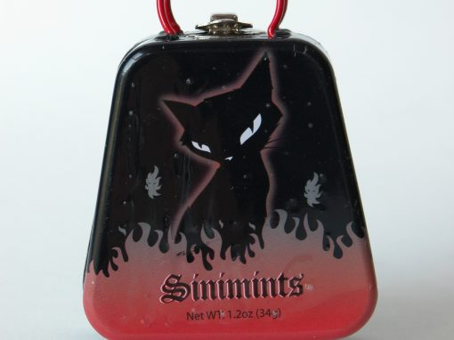 #604 EMILY the Strange Sinimints