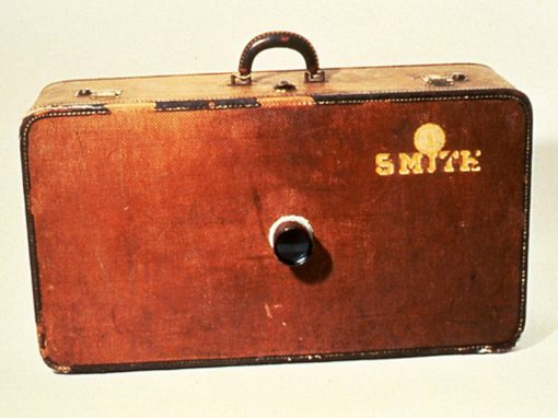 #535 Smith Suitcase Camera